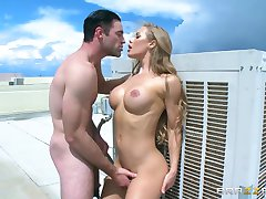 Brazzers - Nicole Aniston loves ridding dick