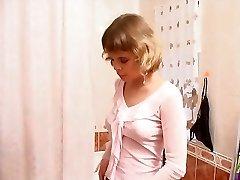 אמה בשירותים