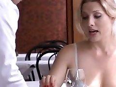Monamour הוא איטלקי דרמה עם כמה סצנות סקס