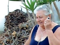 BBW איטלקי סבתא שיחות סבא לזיין