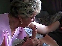 בלונדינית חובבנית סבתא