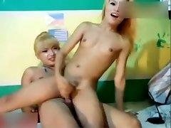 ladyboys cam show accident tagmpie