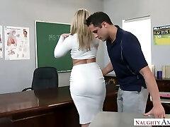 מאוד סקסי גדול מיוסר בלונדינית פרופסור דפק על השולחן