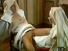 הכומר & נזירות מזוין & פיסטינג