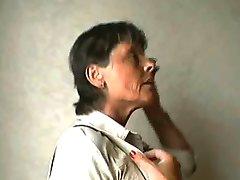 סבתא ונוער. 4