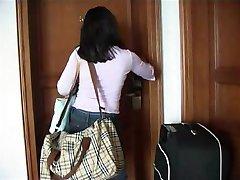 בחורה הודית fuckt במלון