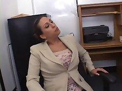 חם Busty המזכיר Alisandra מונרו דפקתי במשרד