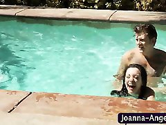 Emo hoe gets rammed in pool