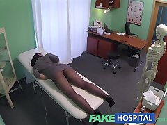 FakeHospital מצלמות נסתרות לתפוס מטופלת באמצעות עיסוי כלי אורגזמה