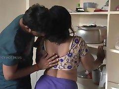 פונה ליווי - www.puneescortsagency.co.in -הרומנטי גיסה עם החבר שלה