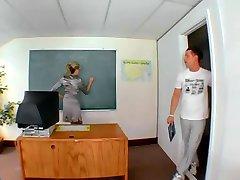 Milf המורה ואת התלמיד שלה