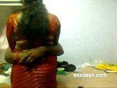רומנטי Dharmapuri Sivaraj עם שמנמן טמילית דודה
