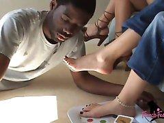 french feet kiss