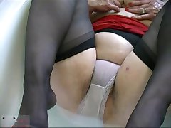 Grannie hairy Pussy R20