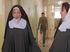 נזירות קשור והפשיטו על ידי שוטרים!