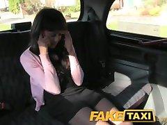 FakeTaxi iscrpljena djevojka u porno osveta