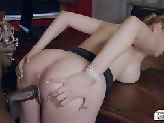 BUMS BUERO - Interracial office fuck with German MILF boss