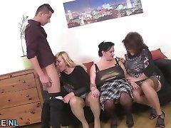 שלושה חובב בוגרים, בנות שיתוף צעיר חתיך