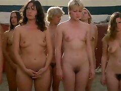 gefangene frauen (1980) - scena 15 pedeapsa