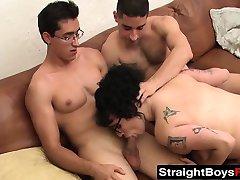 קינקי נוער ביטים אוהב לדפוק עם שני חרמנים חברים