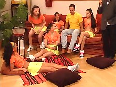 Schulmadchen im Reifetest- full german movie