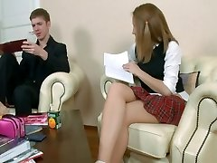 עוד סטודנטה בבית ספר פורנו מרוסיה