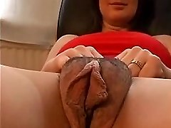 Unshaved camel toe