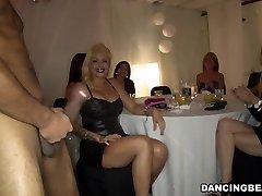 sexy fete bucurați-vă de pula petrecere