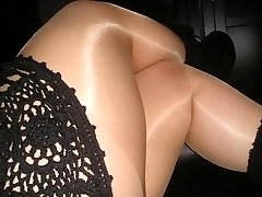 Gloss suntan pantyhose tights