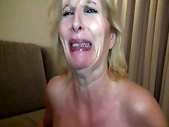 femei mature in dres