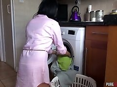 Beautiful housewife Jess Scotland is inhaling roommate's beefstick and pummels him like nobody else before