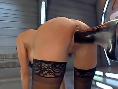 Squirting Orgasm on a Tearing Up Machine
