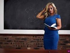 Kellie O teacher cougar