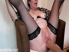 mature extreme fisting cu orgasm pizde