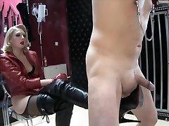 blonda amanta cizme de tortură