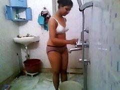 הודי המכללה בייב ב Hostel מקלחת