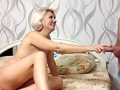 Ljepota Rusije amater djevojka BJ i gutaj