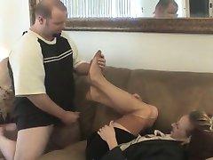 real estaye agent de nailon fetish picior