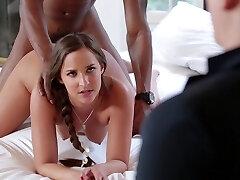 Amirah gets pulverized in front of her boyfriend