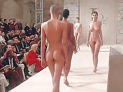 spectacol de moda
