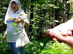 ormanda güzel büyükanne
