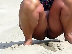 Sahilde Hollanda'da çıplak