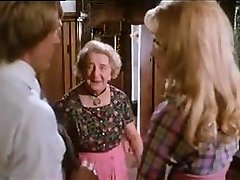 büyükanne casus ergen çift