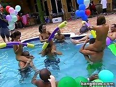 BangBros Havuz Partisi!