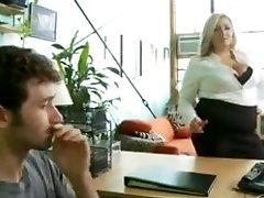 Super hot fatty gets a nice fuck