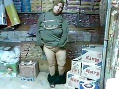 Arap hicap olgun dükkanda kıçını flash