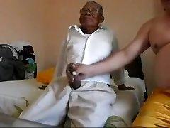 Yaşlı adam şişko