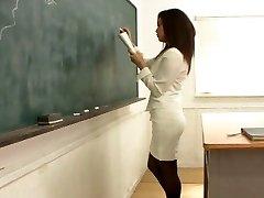 1455 Öğretmen'in Pis Sürtük X-Sınıfı