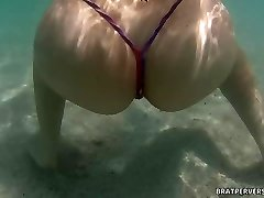 Bratperversions.com Voyeur Beach Sualtı Cam