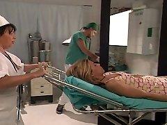 Succulent patient gets a vaginal operation